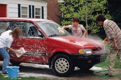 family_car_washing